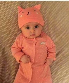 aces Love So cute baby babys swetbaby cutekids cutefash Cute Baby Boy Photos, Cute Little Baby Girl, Cute Kids Pics, Baby Boy Pictures, Cute Baby Videos, Baby Images, Pretty Baby, Cute Baby Quotes, Cute Babies Photography