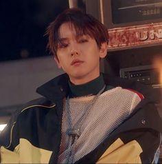 Too much ego에 주린 배를 불리고, I'll come back and call you a few times. Baekyeol, Chanbaek, Baekhyun Photoshoot, Exo Songs, Exo Music, Xiuchen, Kim Minseok, Exo Ot12, Kpop Exo