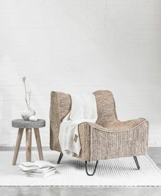 Fauteuil Frejus van het merk House of Sakk is gemaakt. Interior Stylist, Interior Design, Rich Home, Cosy Corner, Wicker Furniture, Natural Living, Bassinet, Accent Chairs, New Homes