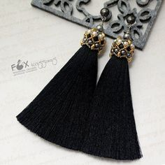 Tassel Earrings by Oksana Frolova Thread Jewellery, Tassel Jewelry, Diy Jewelry, Beaded Jewelry, Jewelery, Jewelry Design, Jewelry Making, Diy Earrings, Earrings Handmade