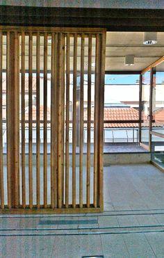Guill n carpinter a de madera coam puerta vidriera for Puertas minguela