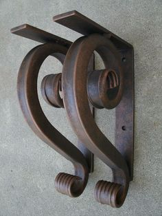 Timeless standard wrought iron angle bracket for counter top, mantel, shelving & much more. This metal corbel has it all in an affordable price.