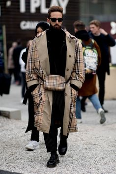 Everyone Wore Plaid at New York Fashion Week Men& is part of Mens street style Check(s), mate - Best Street Style, New York Street Style, Autumn Street Style, Street Style Looks, Dope Fashion, Cool Street Fashion, Urban Fashion, Swag Fashion, Fashion Pants