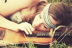 Female Senior Portraits | Poses | Guitar