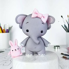 Cute Baby Elephant Cake Topper - I used the 'Baby Dino' templates to make her :) I shaped the head the same way as in the 'Elephant Topper' tutorial but used t Cake Decorating With Fondant, Birthday Cake Decorating, Cool Birthday Cakes, Birthday Boys, Baby Elephant Cake, Elephant Cake Toppers, Fondant Girl, Cake Fondant, Dino Cake