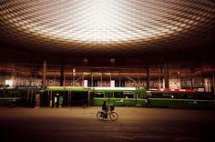 Fotografia analógica de The Messe Basel Hall por Herzog & de Meuron na Suíça por Jorge Sato. | Analog photography of The Messe Basel Hall by Herzog & de Meuron in Switzerland by Jorge Sato.