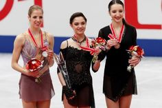 Evgeniya Medvedeva scored 144.40 points for an arbitrary program and 224.39 points for the sum of two rentals.  Second place in the tournament singles took Italian Carolina Costner (212,24). Another Russian woman, Polina Tsurskaya, who debuted in the adult Grand Prix series, closed the top three winners (210.19).
