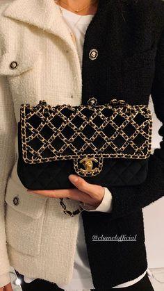 Sarah Harris, Louis Vuitton Damier, Fashion Accessories, Chanel, Shoulder Bag, Handbags, Pattern, Clothes, Fashion Inspiration