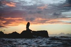 💚 New free photo at Avopix.com - Silhouette of Woman Siting on Rock during Sunset    👉 https://avopix.com/photo/34892-silhouette-of-woman-siting-on-rock-during-sunset    #ocean #sea #beach #water #sky #avopix #free #photos #public #domain