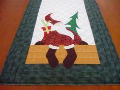 Caminho de mesa natalino em patchwork.