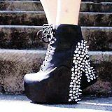 grav3yardgirl shoes | tumblr_mzcmmhU0uR1rwm836o2_250.gif