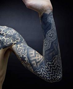 A incredible Pointillism tatoo realized by Nazareno Tubaro