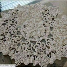 Lace Doilies, Crochet Doilies, Crochet Lace, Knitting Patterns, Crochet Patterns, Doily Wedding, Poppy Pattern, Lace Table Runners, Embroidery Fabric