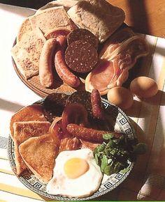 The complete Irish Cooked Breakfast, or 'Full Irish.'