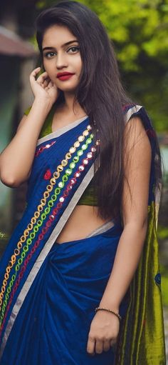 Beautiful Bollywood Actress, Most Beautiful Indian Actress, Beauty Full Girl, Beauty Women, Indian Fashion Bloggers, Indian Long Hair Braid, Indian Girls Images, Dress Indian Style, Elegant Girl