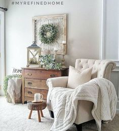 32 Gorgeous French Farmhouse Living Room Design Ideas - Home Professional Decoration Living Room Decor Country, Country Farmhouse Decor, Home Living Room, Living Room Designs, Living Room Furniture, Modern Farmhouse, Farmhouse Design, Living Area, Farmhouse Style