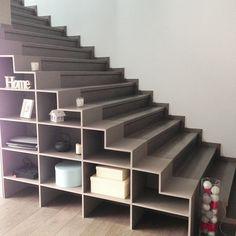 Escalier droit en colima on pas japonais gain de place livres et lieux - Escalier droit gain de place ...
