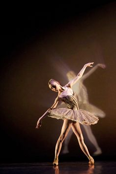 Sarah Lamb in electic counterpoint, royal ballet