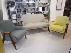 Asko 50-luvun sohvakalusto iloisen värisellä uudella verhoilulla