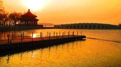 Der Kunming See vom Sommerpalast. Der Sommerpalast liegt im Westen von Peking und war die Sommerresidenz mehrerer chinesischen Kaisers.