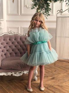Gowns For Girls, Little Girl Dresses, Girls Dresses, Flower Girl Dresses, Baby Dresses, Dress Girl, Baby Girl Birthday Dress, First Birthday Dresses, Barbie Birthday