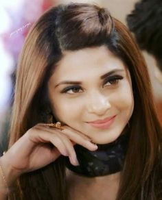 Come back in behayd Open Hairstyles, Daily Hairstyles, Braided Hairstyles, College Hairstyles, Straight Hairstyles, Jennifer Winget Beyhadh, Indian Wedding Hairstyles, Stylish Hair, Hair Care Tips