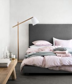 Sprei | H&M NL Pink/Grey/White/wood combo for bedroom