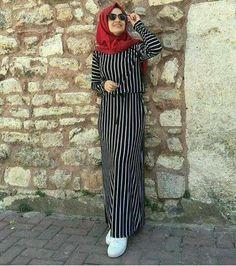 PINTEREST: @MUSKAZJAHAN - Hijab Style Dress, Casual Hijab Outfit, Hijab Chic, Abaya Fashion, Modest Fashion, Fashion Outfits, Muslim Women Fashion, Islamic Fashion, Hijab Fashionista