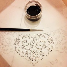 Very reminiscent of punto in aria lace work. Islamic Art Pattern, Arabic Pattern, Pattern Art, Pattern Design, Arabic Calligraphy Art, Arabic Art, Calligraphy Borders, Calligraphy Alphabet, Motif Floral
