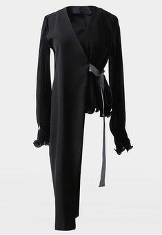 수입상품 product name : UNBALANCE PREMIUM JACKET - 2color product no : outer_1126sa 주문전 배송,교환,반품안내 사항 필독해주세요!! 주문시 이에 동의하시는 것으로 간주함으로 숙지하시지 아니하여 발생되는 고객님의 불이익에 대해서 '코코패피'에서는 일체 책임지 Urban Fashion, Fashion Looks, Womens Fashion, Hijab Fashion, Fashion Dresses, Fashion Tips, Suits For Women, Jackets For Women, Asymmetrical Coat