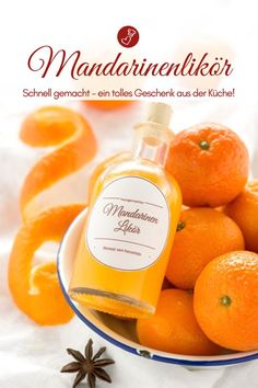 Fast Tangerine Liqueur - Recipe and Label Freebie (Ge .- Schneller Mandarinenlikör – Rezept und Etiketten Freebie (Getränk) Liqueur recipes, gifts from the kitchen: recipe for a quick made tangerine liqueur. A great Christmas present! Liquor Drinks, Cocktail Drinks, Cocktails, Great Christmas Presents, Christmas Diy, Merry Christmas, Liqueur, Vegetable Drinks, Healthy Eating Tips