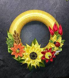 Venček zo stúh slnečnica Ribbon Art, Easter Wreaths, Holiday Decor, Christmas, Handmade, Scrappy Quilts, Arch, Toss Pillows, Spring