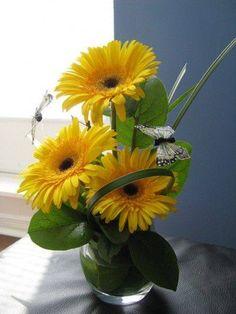 Flower delivery in Saint Louis by Saint Louis florist - This gerbera design is… Small Flower Arrangements, Small Flowers, Beautiful Flowers, Deco Floral, Arte Floral, Floral Design, Sunflower Flower, Valentines Flowers, Church Flowers