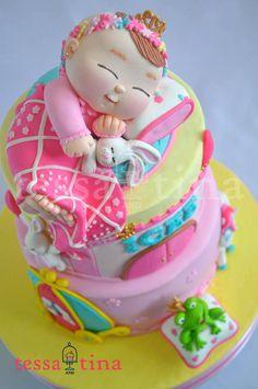 Dream Princess Cake - Cake by tessatinacakes Gorgeous Cakes, Pretty Cakes, Amazing Cakes, Cupcakes, Cupcake Cakes, Unique Cakes, Creative Cakes, Macarons, Shower Bebe