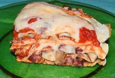 Reteta Tortillas cu ciuperci si fasole rosie #reteta #dinner #cina #mancare Tortillas, Cheesesteak, Lasagna, Salsa, Dinner Recipes, Ethnic Recipes, Food, Mince Pies, Eten