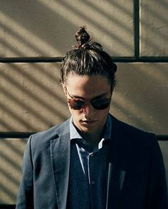 - a man bun. There are a lot of variations you can have in a man bun. Some of the man bun hairstyles are mentioned below. Make sure you have a look at beautiful examples of man bun hairstyles at the end. Top Knot Men, Short Styles, Long Hair Styles, Chignon Simple, Man Bun Hairstyles, Miles Mcmillan, Hair And Beard Styles, Men's Grooming, Stylish Men