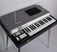 Gem mini Organ[og071] : retro designed music store organ69 Hammond Organ, Music Images, Vintage Keys, Music Store, Keyboard, Gems, Retro, Mini, Rhinestones