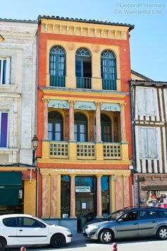 A beautiful Italianate building in the south of France town of Samatan in the Midi-Pyrenees ©Deborah Harmes