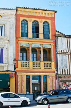 A beautiful Italianate building in the south of France town of Samatan in the Midi-Pyrenees ©Deborah Harmes