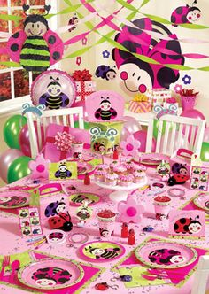 Google Image Result for http://ladybugbirthdaypartysupplies.org/wp-content/uploads/2010/01/ladybug-ultimate-party-kit.jpg