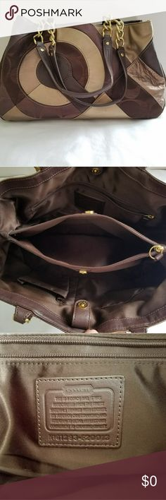 🎀AUNTENTIC COACH SIGNATURE BAG🎀 COACH Signature Inlaid Patchwork Fabric and Leather chain Tote shoulder F20013 bag Rare, used good condition! Coach Bags Shoulder Bags