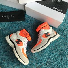 Air Max Sneakers, Sneakers Nike, Tennis Trainer, Chanel Brand, Woman Shoes, Chanel Shoes, Sport Casual, Nike Air Max, High Tops
