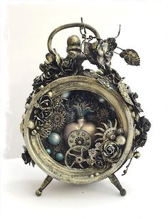Other: Art Venture Project: Altered Mixed Media Clock Steampunk alarm clock Chat Steampunk, Design Steampunk, Arte Steampunk, Style Steampunk, Steampunk Crafts, Steampunk Clock, Steampunk Fashion, Fashion Goth, Steampunk Gadgets
