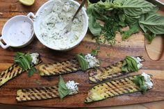Grilled Zucchini Rull-Ups with Goat Cheese; une recette de shutterbean