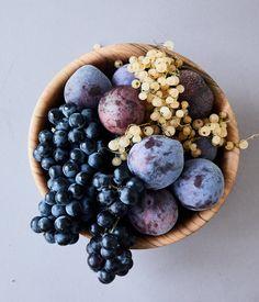 Herriott Grace – Dogwood Fruit Bowl