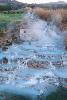 Hot springs in Toscana, Italy 🇮🇹 Photo by 🌎🌍🌏 Dream Vacations, Vacation Spots, Siena Toscana, Spring In Italy, Places To Travel, Places To See, Magic Places, Places In Italy, Voyage Europe