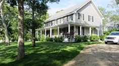 VRBO.com #150860ha - Farmhouse - Walk to Oak Bluffs, Central a/C, Well Appointed