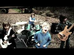 The Mini Band aged 8 to 10, praised by Metallica and Dream Theater