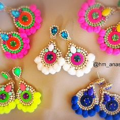 Comenzando la semana con opciones para cada día... #moda #accesorios #collar #maxicollar #necklace #hechoenvenezuela #handmade #talentovenezolano #designersvenezuela #chic #trendy #outfit #musthave #fashion #closetvzlano #designersvenezuela #soutache #aretes #zarcillos #earings #madeinvzla #venezuela #wedding #novias #glam #glamour #cintillo #flores #diadema #tocado