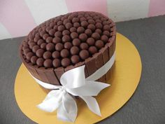 The World's Top 10 Best Ever Kit Kat Cakes
